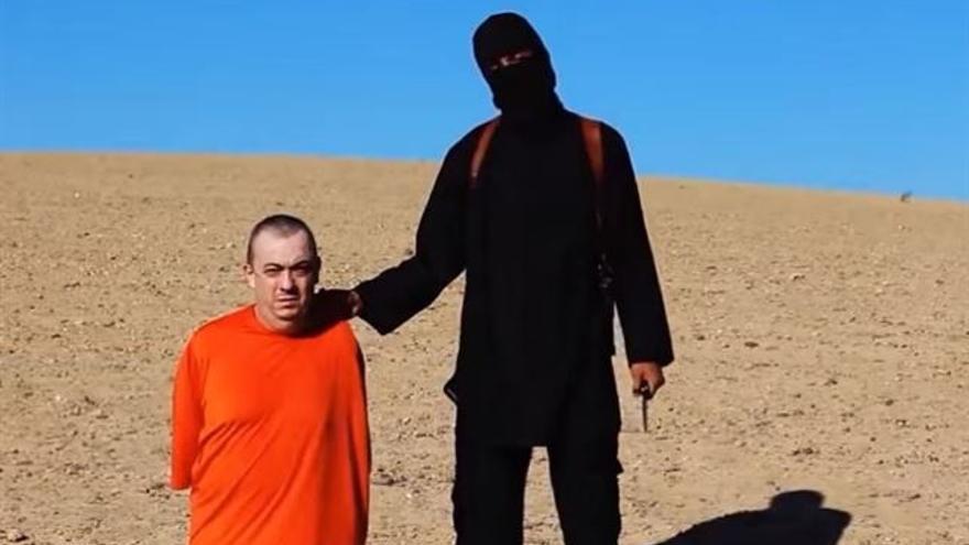 Captura del vídeo difundido por el ISIS con la ejecución de Henning