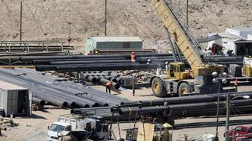 La perforadora, a tan solo 200 metros de los mineros de Chile