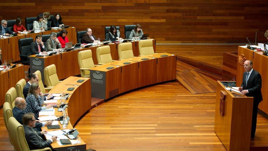 """Monago califica de """"pequeño Nicolás extremeño"""" al """"abogado socialista"""" que le ha denunciado ante la Fiscalía"""