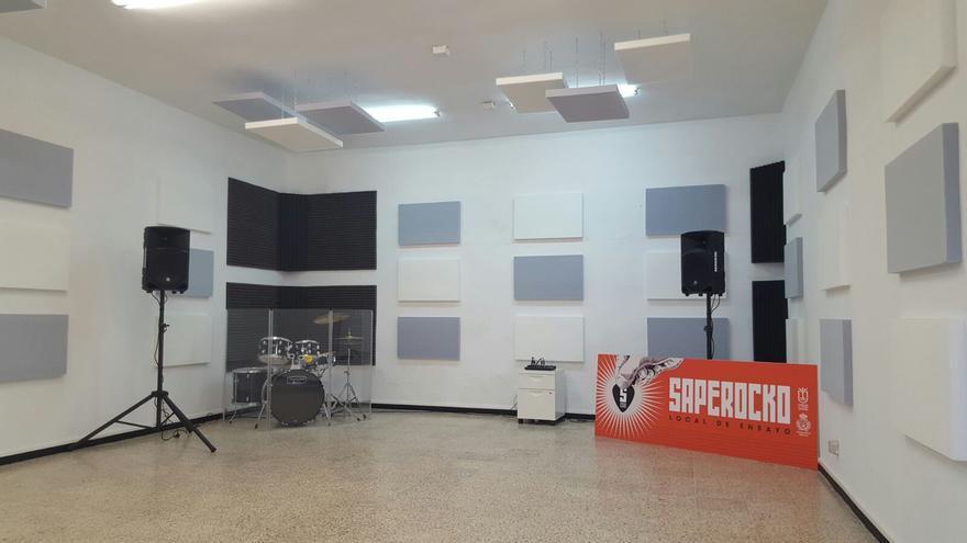 En la imagen, local de ensayo Saperoko, en Breña Alta.