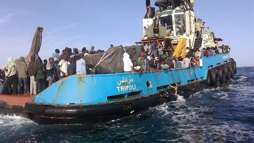 Interceptados dos botes con 210 personas en el oeste de Libia