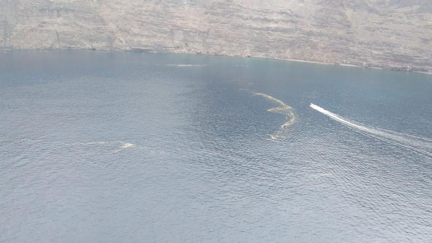 Más afloramientos de cianobacterias en la misma masa marina del litoral de Santiago del Teide