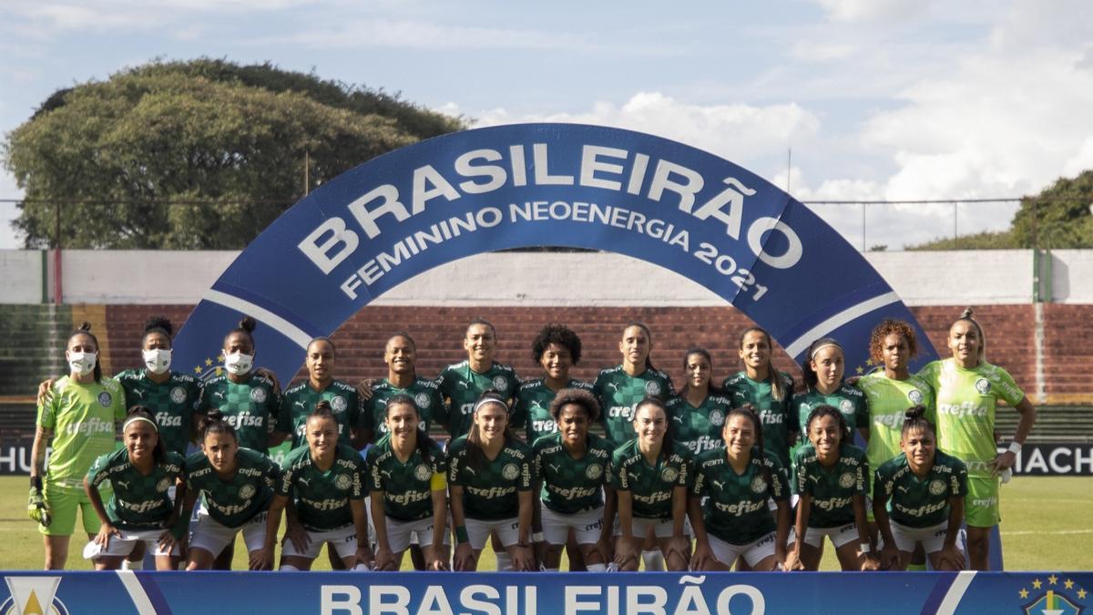 La selección femenina de Brasil.