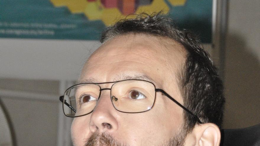 """Echenique (Podemos) dice que """"no está justificado"""" que Lambán se """"autodesigne"""" presidente"""