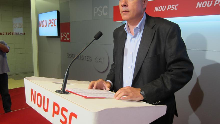 Navarro (PSC) reclama mejorar la financiación catalana y reprocha a Artur Mas sus recortes
