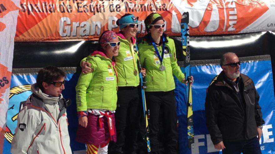 Podio femenino del Campeonato de España de Esquí de Montaña (© FEDME).