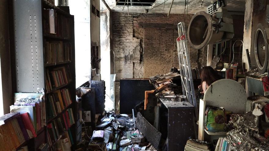 La librería Proteo después del incendio