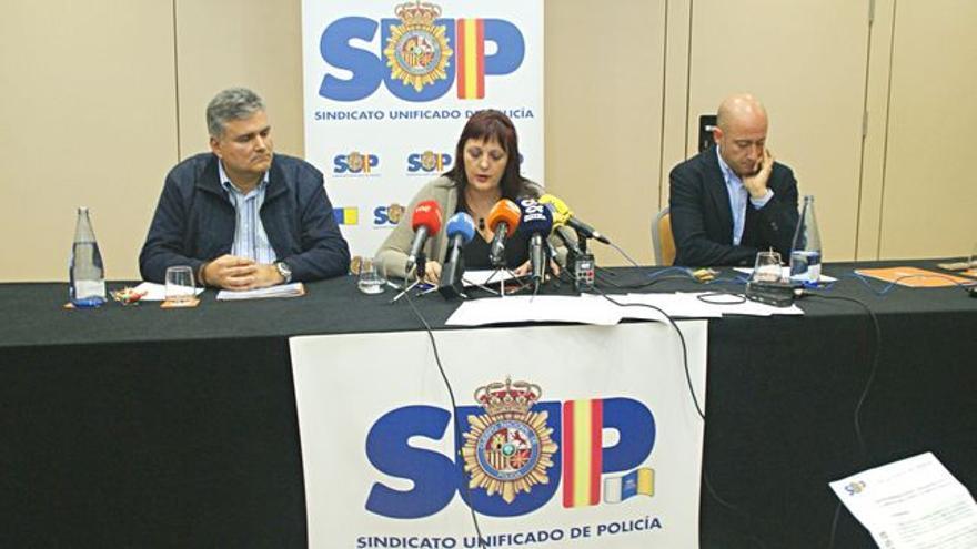 Mónica Gracia, durante la rueda de prensa ofrecida el 7 de marzo en Tenerife