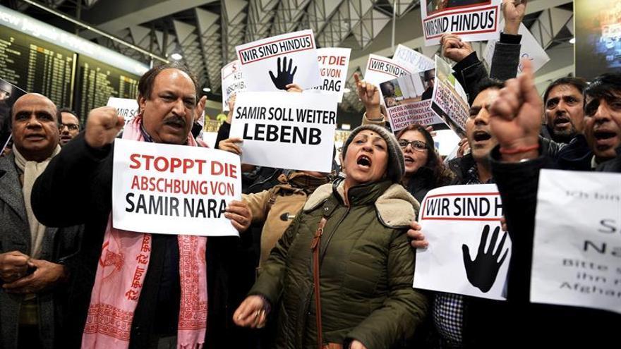 Activistas protestan en Alemania contra las expulsiones de refugiados afganos