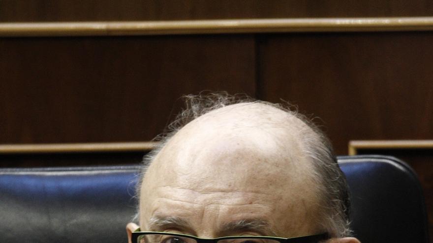 El PDeCAT cambia su pregunta al Gobierno en el Congreso para que Montoro explique su intervención de Hacienda