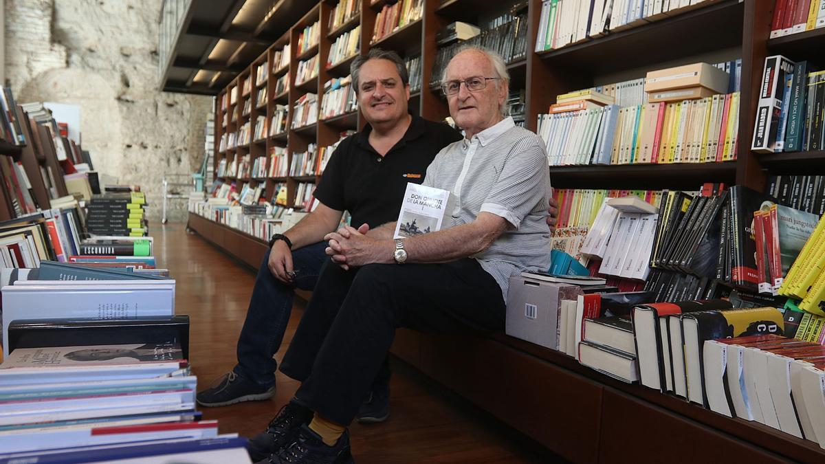 Paco Puche, a la derecha, con Jesús Otaola