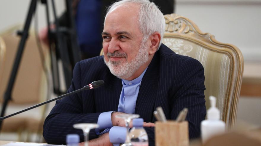 Zarif: Irán volverá a cumplir el acuerdo nuclear si EEUU retira sanciones