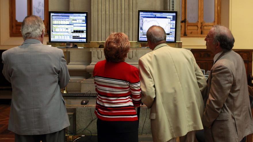 El IBEX amplía a mediodía las ganancias de la apertura hasta el 2,72 por ciento