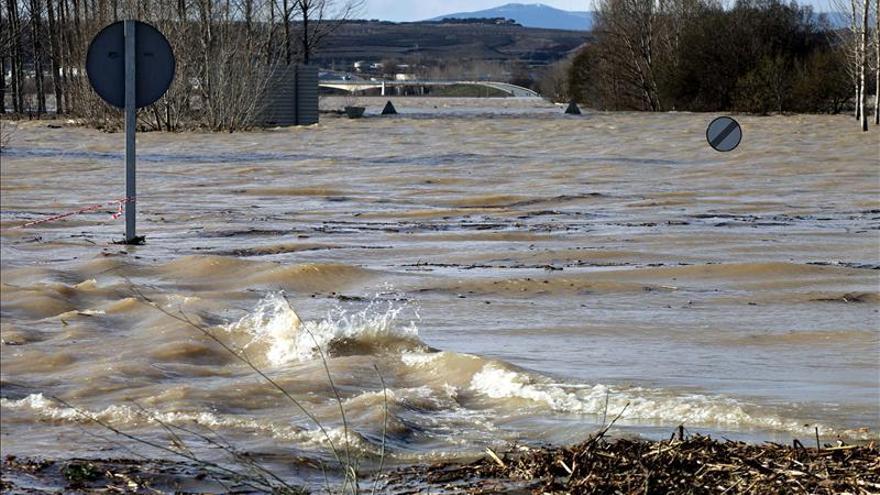 El caudal del Ebro baja de los 2.000 m3 por segundo en la localidad navarra de Castejón