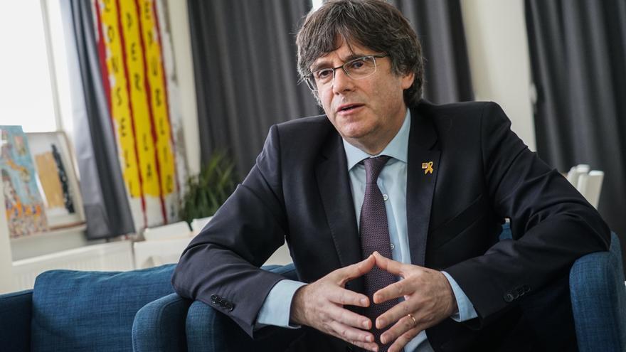 El expresident de la Generalitat y candidato de JxCAT a las europeas, Carles Puigdemont, en un momento de la entrevista.