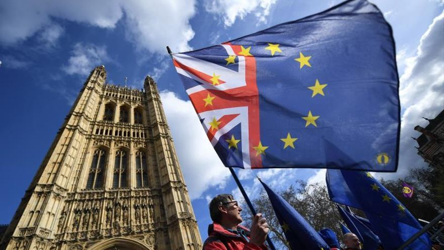 El Gobierno británico confía en que a la tercera va la vencida con su acuerdo de brexit