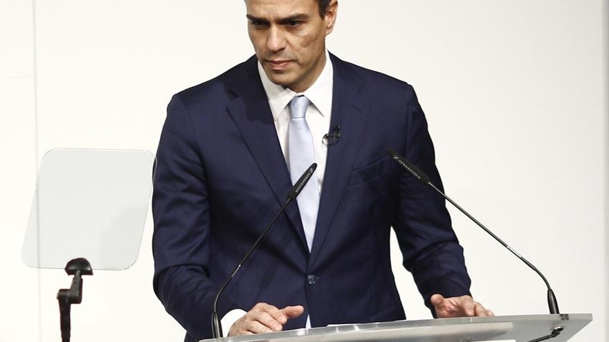 Pedro Sánchez pide que Montoro responda en el Congreso por la denuncia de la AIReF