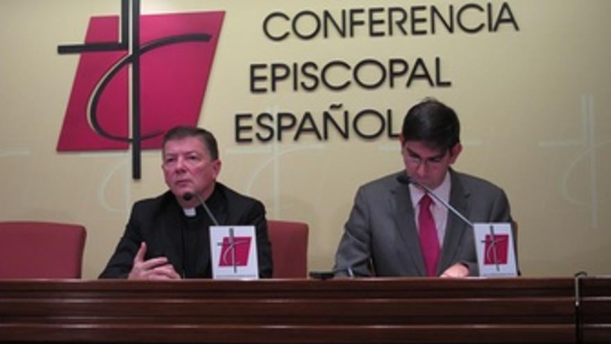 Martínez Camino E Isidro Catela, Conferencia Episcopal Española