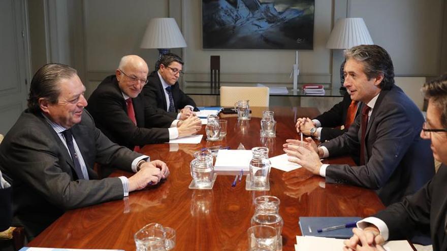 Roig (Mercadona) y Boluda piden a De la Serna impulsar el Corredor Mediterráneo