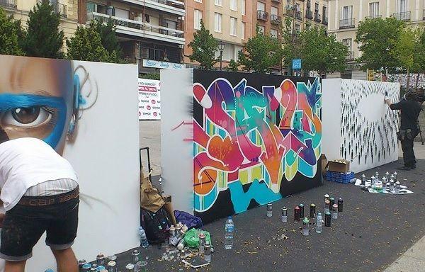 Tres de los murales de la campaña SOMOS que se subastarán en Urvanity Art | Fotografía: Somos Chueca