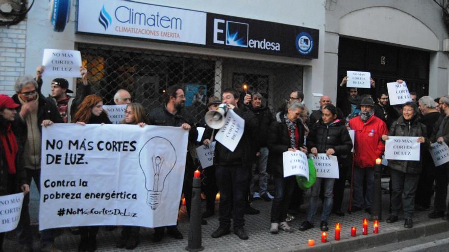 Protesta a las puertas de la sede de Endesa /JCD