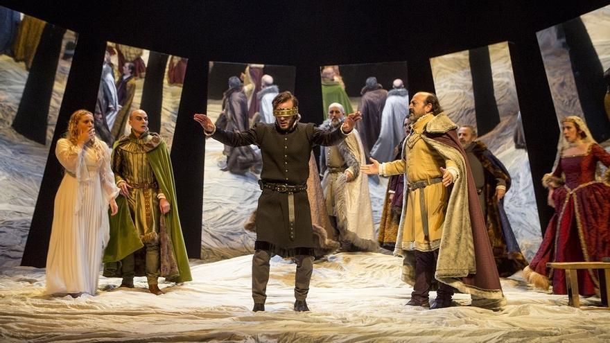 La Compañía de Teatro Clásico de Sevilla trae de nuevo este jueves su 'Hamlet' al Lope de Vega