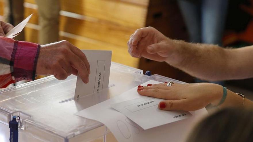 Fallece un hombre de 92 años tras votar en un colegio electoral de Madrid