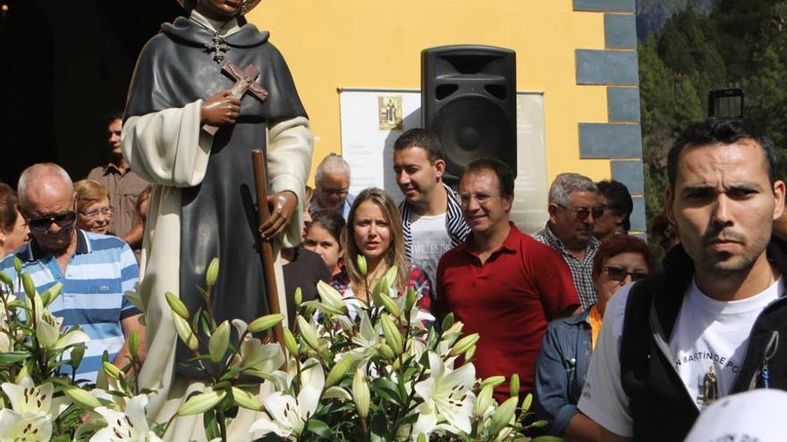 Imagen de San Martín de Porres durante la procesión celebrada este sábado en El Paso.