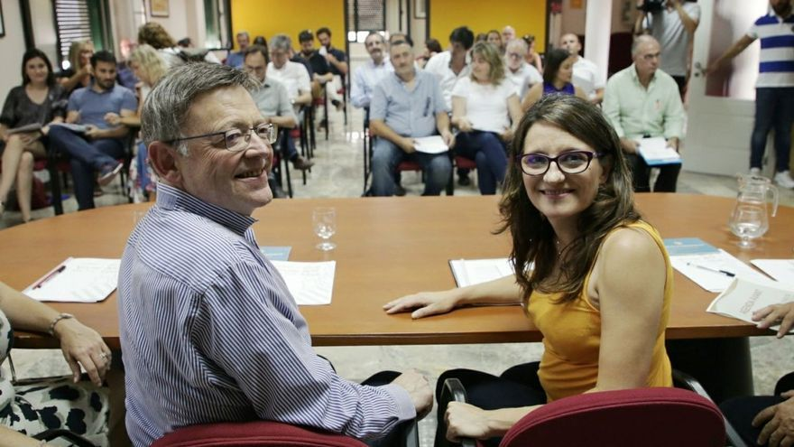Ximo Puig y Mónica Oltra,en el seminario del Consell de Ademuz celebrado en Ademuz.