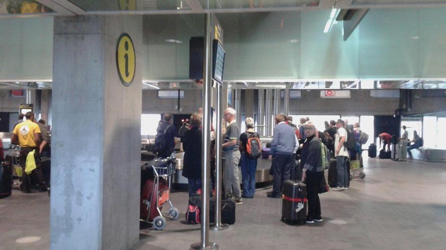 Pasajeros de los primeros vuelos procedentes de Dinamarca de la temporada de invierno,