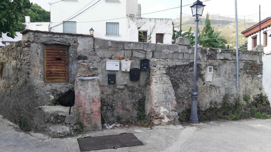 Imagen del depósito de Ítrabo donde se mezclan aguas para riego y residuales