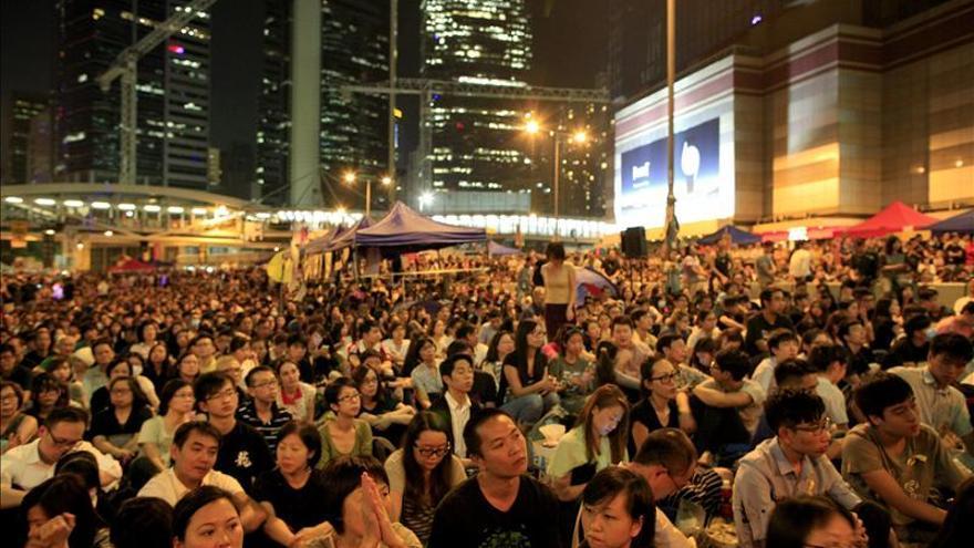Multitudinaria manifestación en Hong Kong en respuesta al diálogo cancelado