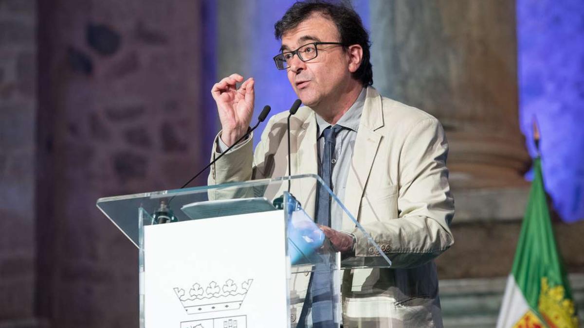 Javier Cercas, durante su discurso de septiembre de 2019 en el Teatro Romano de Mérida