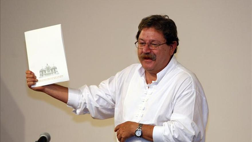 Paco Ignacio Taibo reivindica el oficio de contar historias frente al olvido