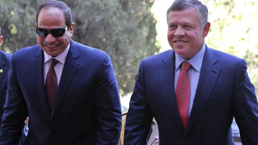 Abdalá II y Al Sisi instan a combatir el terrorismo y a soluciones políticas