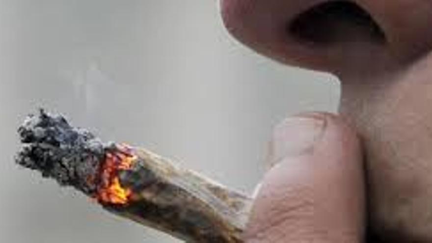 Los psiquiatras alertan sobre el consumo de cannabis entre los más jóvenes.