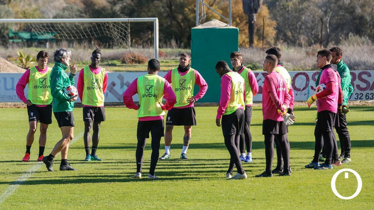 Jugadores del Córdoba en un entrenamiento.