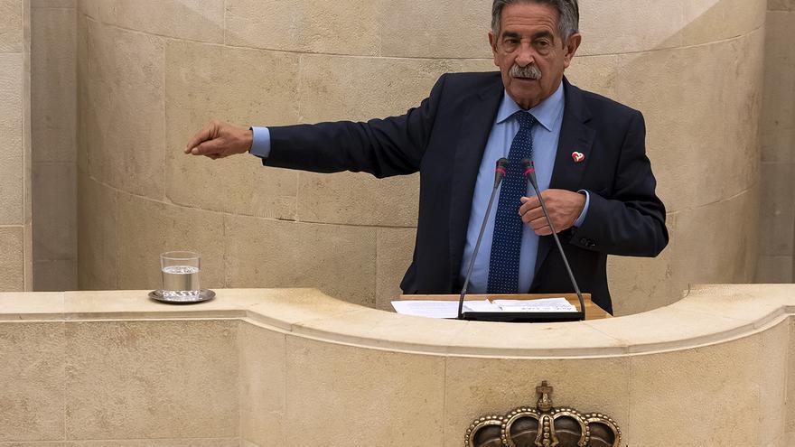 Miguel Ángel Revilla tomará este sábado posesión como presidente de Cantabria. | JOAQUÍN GÓMEZ SASTRE