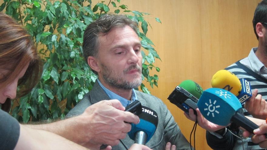 """Delegado de la Junta asegura que no le consta """"irregularidades"""" en el servicio de Carreteras"""