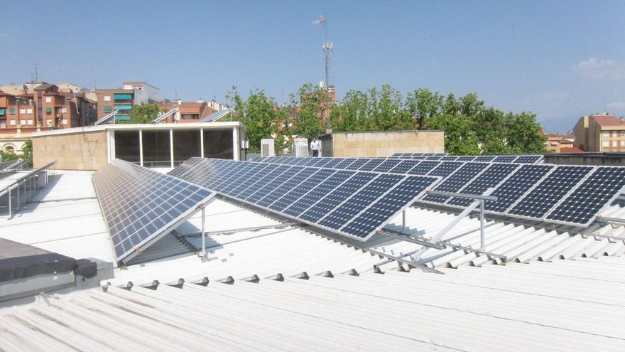 Paneles fotovoltaicos en vivienda