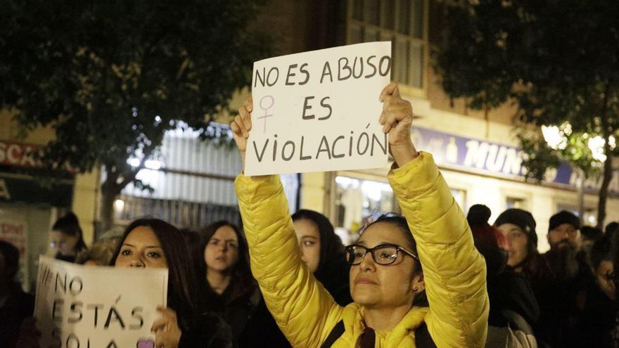 Concentración en Madrid contra la sentencia de la violación grupal de Manresa. FOTO: Marián León