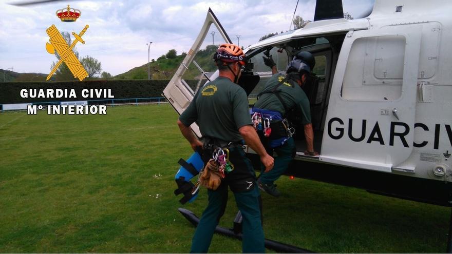 Rescatados tres montañeros cántabros enriscados en Torre la Palanca de Picos de Europa, en León