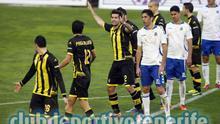 Los jugadores del Zaragoza celebran el empate en Tenerife. (CD Tenerife)