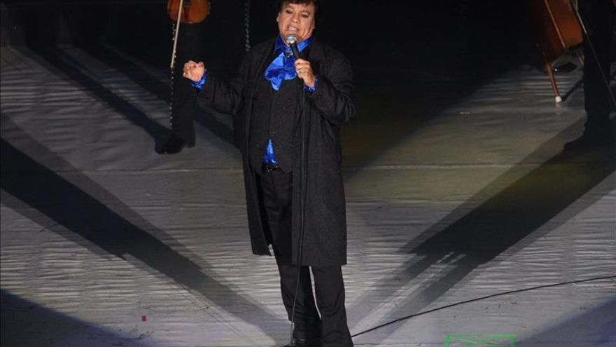 Juan Gabriel dará un concierto benéfico en favor de los niños en Santa Fe (EE.UU.)