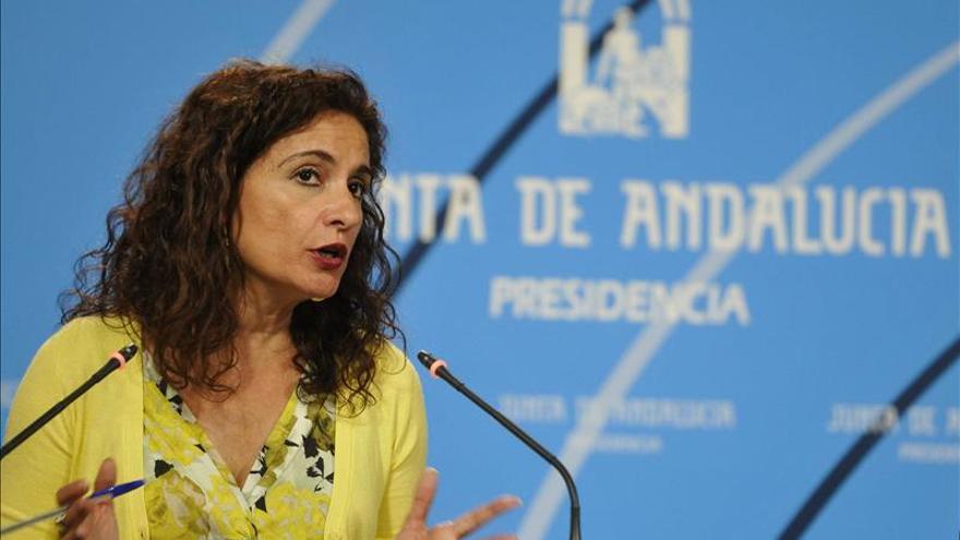 """La Junta apela al diálogo y a la cordura, y rehuye echar """"más leña al fuego"""""""