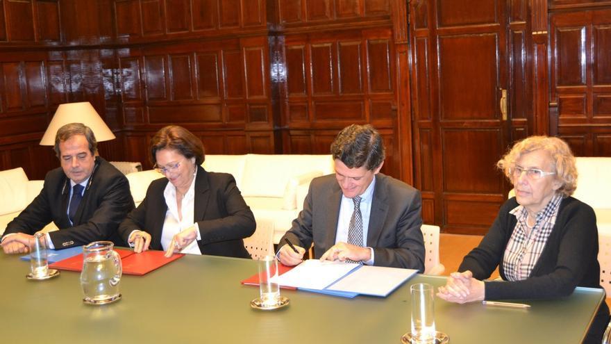 Firma del acuerdo del Ayuntamiento de Madrid con Sareb. / EMVS