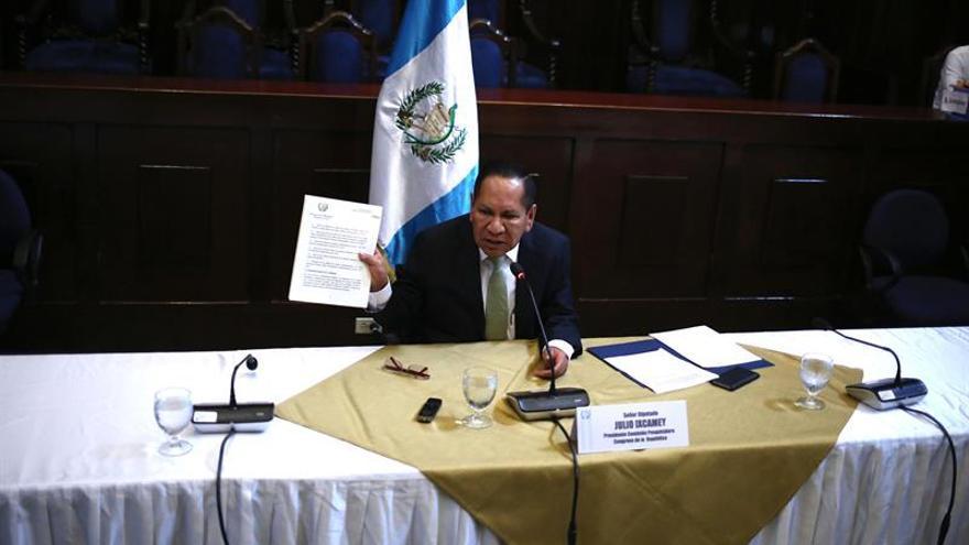 La comisión dice que no hay evidencia de la vinculación directa de Morales con un ilícito