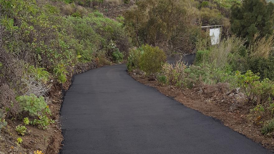 Mejora en el pavimento de una vía.