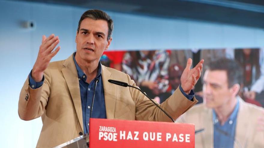 Los periodistas piden a Sánchez que reconsidere su negativa a debatir en RTVE