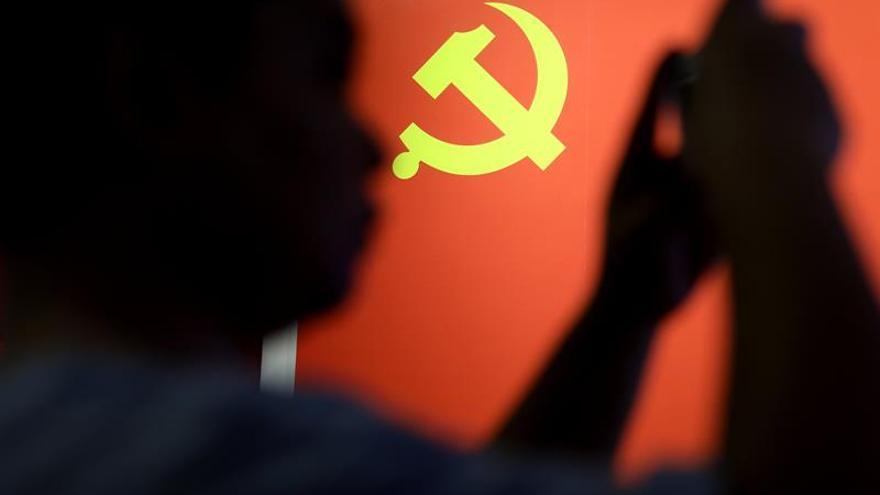 """El Partido Comunista chino castiga por """"ostentación"""" a 350.000 cargos en 6 años"""